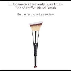 NEW IT Cosmetics Heavenly Luxe Buff & Blend #23